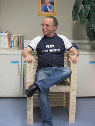 Kurt Seematter auf seinem Pensionierten-Stuhl