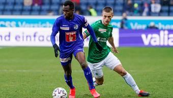 Flattern beim FC St. Gallen (Miro Muheim, rechts) die Nerven?