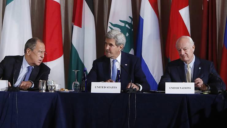 Allesamt unzufrieden nach dem Syrien-Treffen: Lawrow, Kerry und de Mistura in New York.