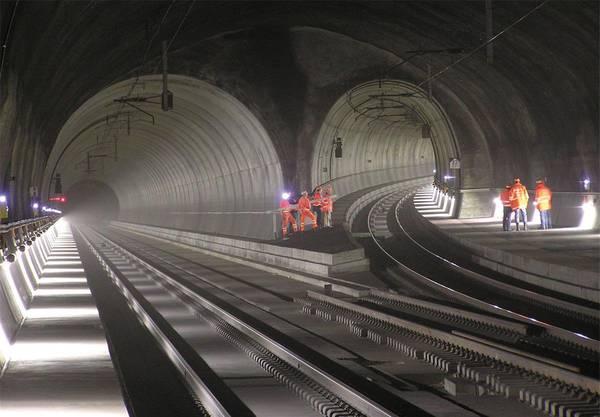 Zimmerbergtunnel II: Der Ausbau der Strecke Luzern–Zug–Zürich ist zentral. Herstück ist die Erweiterung des Zimmerbergtunnels. Kosten: 1,2 Mrd. Fr.