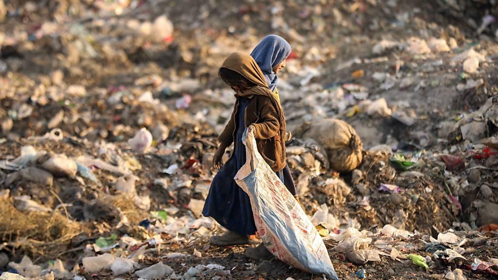 Die Corona-Pandemie verschärft laut einem Bericht der Hilfsorganisation Oxfam die wirtschaftliche Ungleichheit in der Welt. (Archivbild)