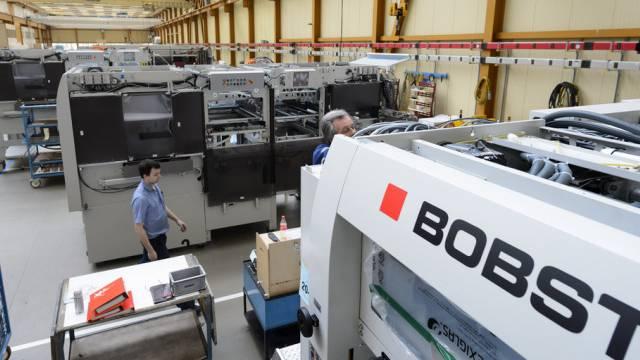 Blick in die Fabrikhalle von Bobst in Mex im Kanton Waadt (Archiv)