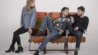 Sängerin Anna Rossinelli mit den Bandmitgliedern Georg Dillier und Manuel Meisel, von links.
