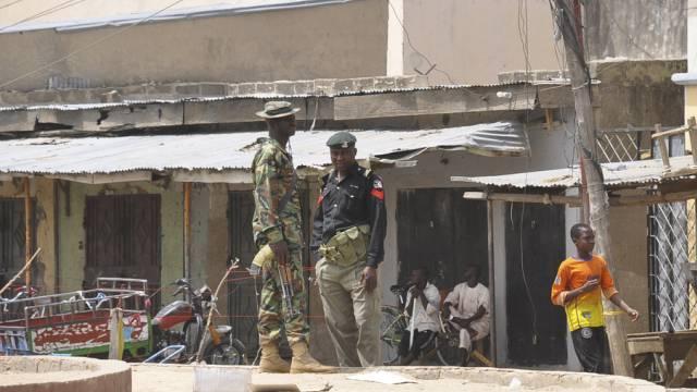 Wache nach Explosion auf einem Markt in Maiduguri