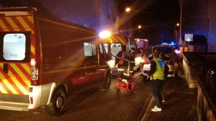 Über 60 Feuerwehrleute kümmerten sich um die verletzten Kirchenbesucher.