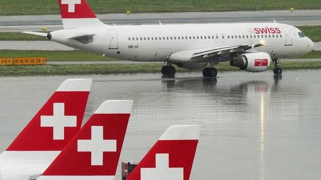 Die Fluggesellschaft Swiss generiert fast 60 Prozent des Passagieraufkommensam Flughafen Zürich. (Archiv)