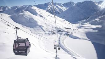 Die Schneehueenerstock Gondelbahn in der SkiArena Andermatt - die Schweizer Seilbahnbranche ist erfreut über ihren Start in die Wintersaison. (Archivbild)
