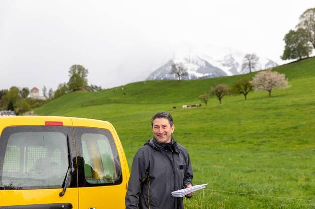 Konzernleiter Roberto Cirillo war in der ganzen Schweiz unterwegs, um sich selber ein Bild vom Image der Post zu machen.