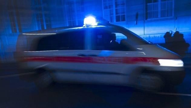 Der Polizist wollte zwei Männer noch vor der Grenze einholen. (Symbolbild)