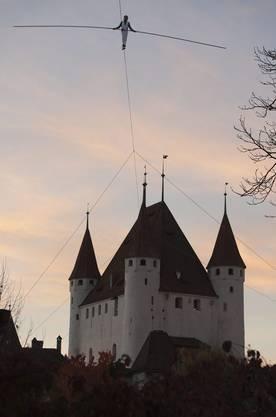Der Weg zur Schlosskirche von Thun.