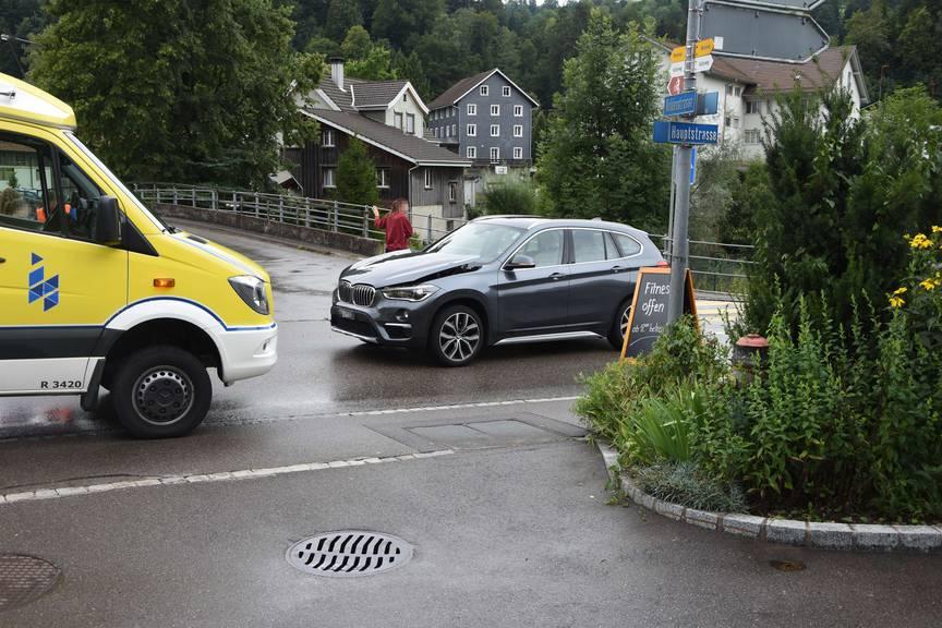 Gemäss eigenen Angaben hatte die Autofahrerin keine Sicht auf die Töfflifahrerin. (Bild: Kapo SG)