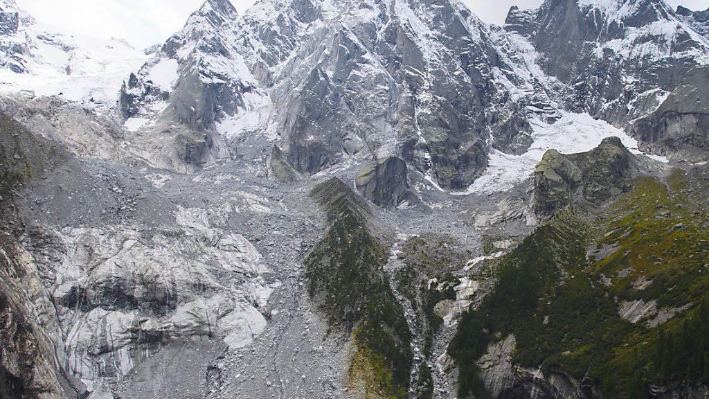 Der verheerende Murgang von Bondo ist geklärt: Der Bergsturz am Piz Cengalo (Bild) donnerte auf einen Gletscher und schmolz das Eis.