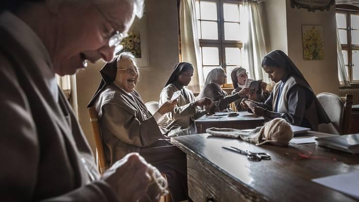 Schwestern des Ordens Visitation im November 2015 bei der Arbeit
