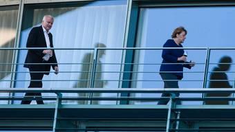 Extra nach Berlin gereist, doch kein Ergebnis erzielt: Innenminister Horst Seehofer (l.) mit Kanzlerin Angela Merkel. Key