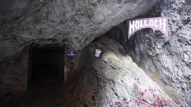 Acht Höhlentouristen noch immer im Hölloch blockiert