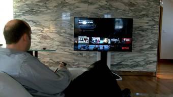 Netflix ist in der Schweiz teurer als um Ausland.