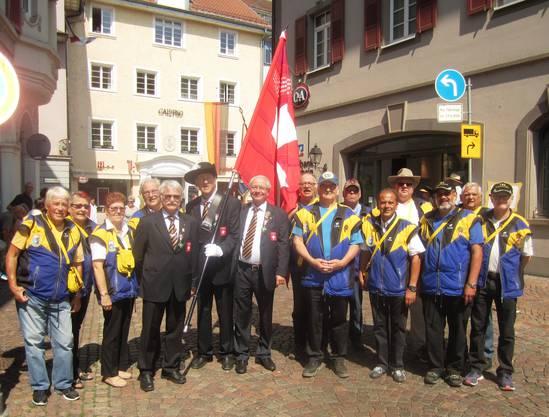 Zusammen mit der SSV-Delegation vor dem Festumzug