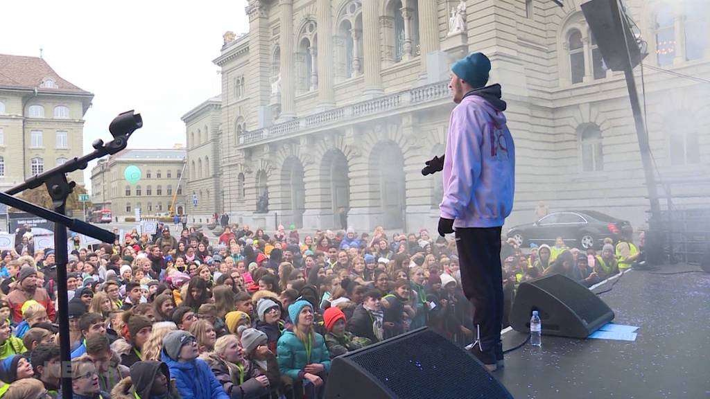30 Jahre Kinderrechte: Nemo begeistert auf Bundesplatz