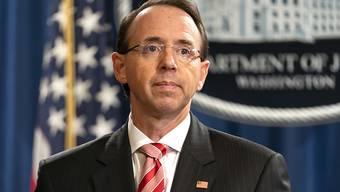 US-Präsident Donald Trump hat Spekulationen über eine Entlassung von Vize-Justizminister Rod Rosenstein vorerst ein Ende gesetzt. (Archiv)