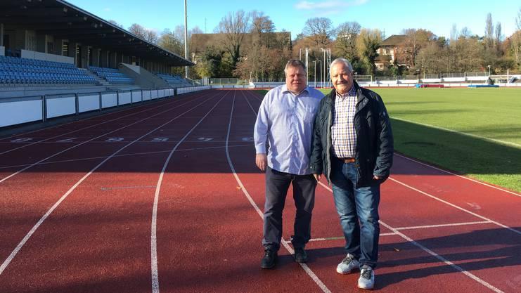 Präsident Balz Bigler (links) und Catering-Leiter Stephan Gloor im Leichtathletik-Stadion St. Jakob, wo der FC Concordia Basel zuhause ist.