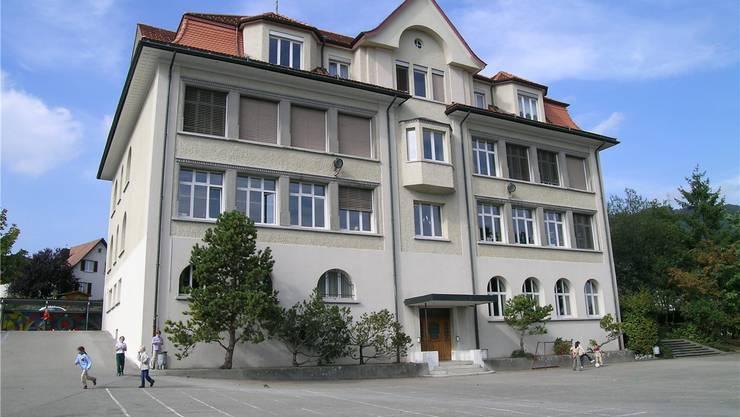 Das Schulhaus 1912 kann saniert werden.