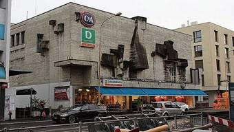 Die denkmalgeschützte Fassade des Kaufhauses Regina an der Zentralstrasse wird auch in Zukunft erhalten bleiben.