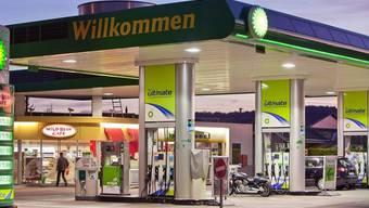 Die Erdöl-Vereinigung will den Verkauf von Alkohol an Jugendliche unterbinden (Symbolbild)