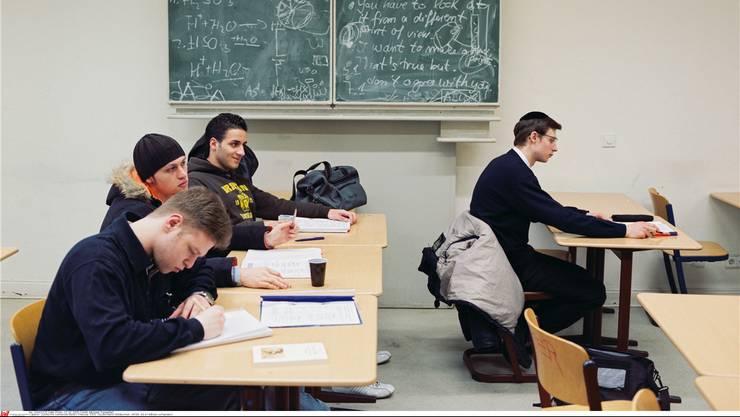 Wie beispielsweise in Berlin sollen Jugendliche auch in der Schweiz ein jüdisches Gymnasium besuchen können. Die Idee dazu stammt aus Basel.