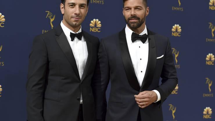 Es ist ein Junge: Latino-Sänger Ricky Martin (r) und sein Ehemann Jwan Yosef sind erneut Eltern geworden.