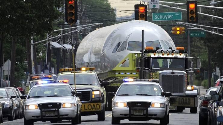 Der Crash-Airbus vom Hudson River auf New Jerseys Strassen