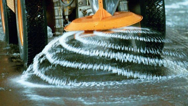 Pro Quadratmeter werden pro Einsatz 15 Gramm Salz gestreut.