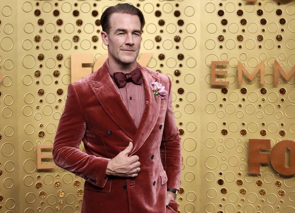 James Vanderbeek hat den Kleiderschrank seines Vaters geplündert und einen wunderschönen Samtanzug gefunden. (© Keystone)