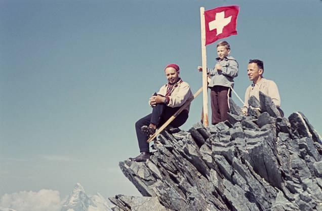 Noch heute sind die Berge für die Schweizer ein Heimatsymbol. Im Tal unten wird es komplizierter.