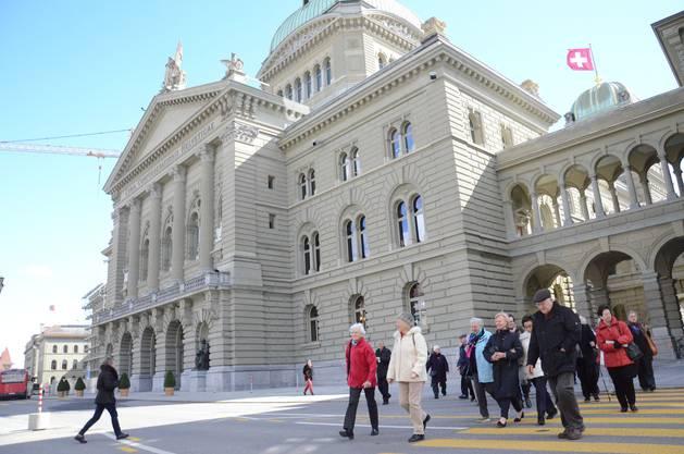 Der Frauenverein Birmensdorf führte zu seinem 125-jährigen Jubiläum eine Exkursion ins Bundeshaus an die Session durch