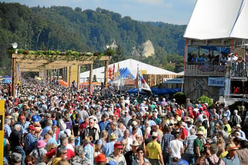 Riesiger Besucheraufmarsch bereits bei der Eröffnung am Freitagnachmittag