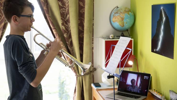 Einzelunterricht wird derzeit per Videotelefonie durchgeführt.