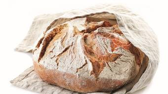 Gusseisentopf-Brote sind knusprig wie frisch vom Bäcker.