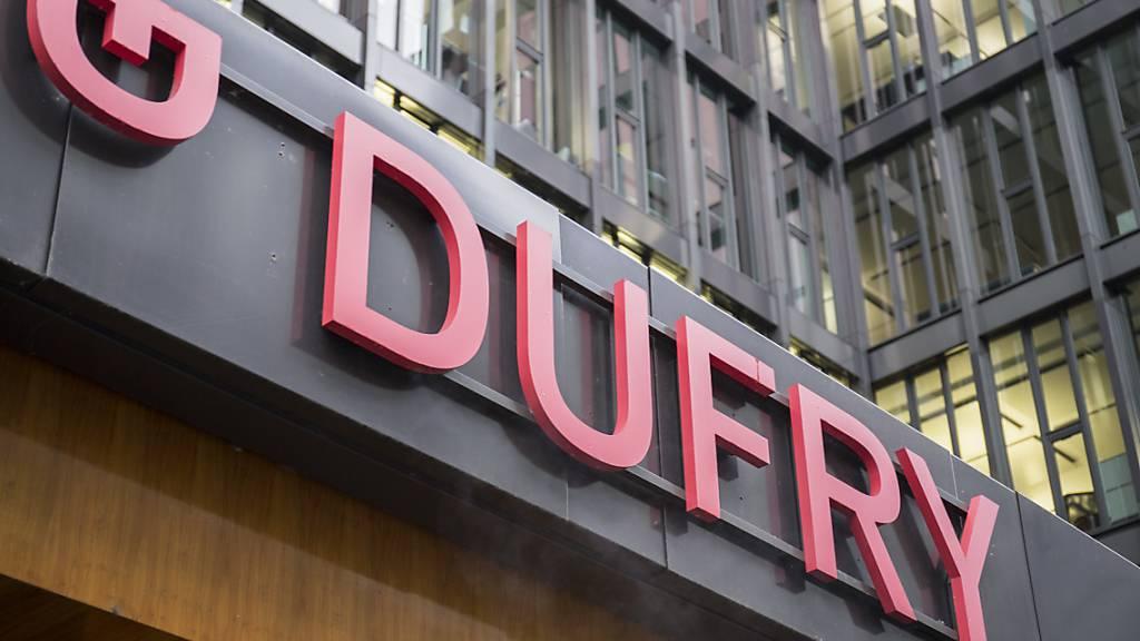 Der Reise-Detailhändler Dufry hat im Geschäftsjahrs 2019 den Umsatz gesteigert. (Archiv)