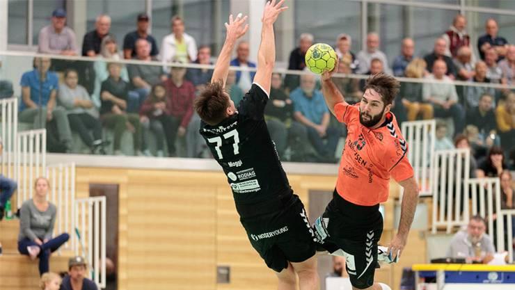 Sebastian Kaiser (rechts) traf gegen Solothurn sechs Mal für den TV Möhlin.