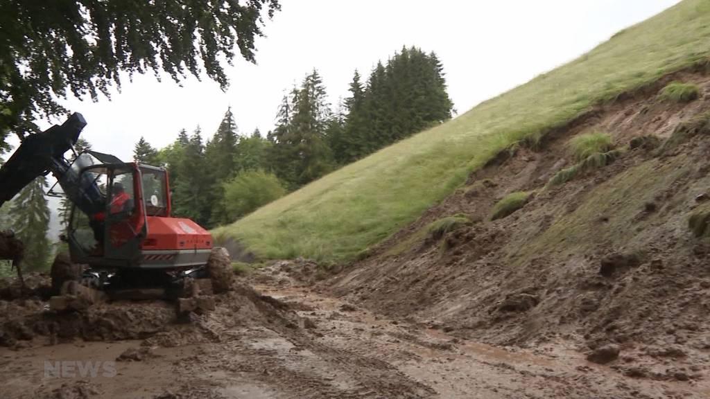 Nach heftigen Murgängen: Kantonsstrasse im Berner Oberland gesperrt