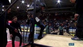 Die ETH Zürich hat weltweit das erste Cybathlon durchgeführt. Dabei überwinden körperbehinderte Athleten Alltagsprobleme mit Hightech-Hilfsmitteln.