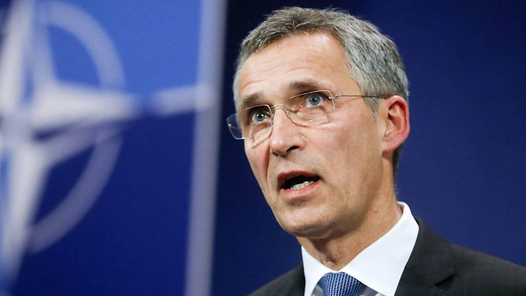 NATO-Generalsekretär Stoltenberg fordert, dass lokale Truppen im Kampf gegen den IS gestärkt werden sollten.