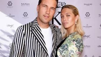 Gehen nach knapp viereinhalb Jahren getrennte Wege: Der Basler DJ Antoine und das Walliser Model Laura Zurbriggen. (Instagram)