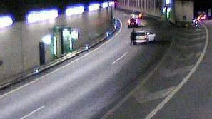 Autolenker hat kein Benzin mehr und bleibt im Horburgtunnel stecken