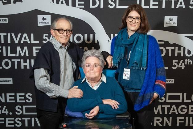 Fanny Bräuning (rechts) mit ihren Eltern Niggi und Annette.