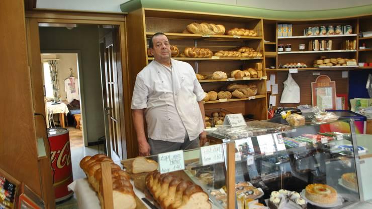 Bäcker Martin Schneider aus Pieterlen hat zum letzten Mal in der eigenen Backstube gebacken.