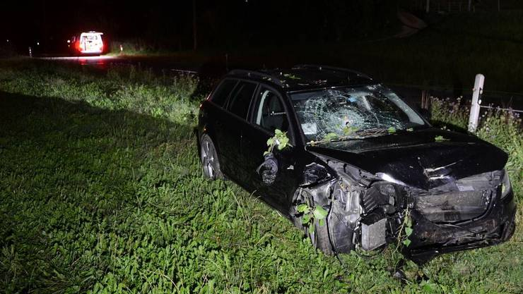 Verletzt wurde beim Unfall niemand. Das Fahrzeug erlitt Totalschaden.
