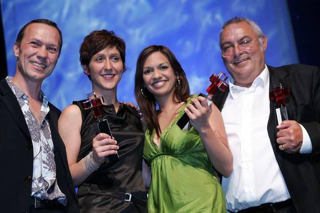 Anna Maier gewinnt 2005 den Tele-Publikumspreis. Damals moderierte sie die Sendung «Eiger Mönch und Maier». Ebenfalls im Bild: Urs Fitze, Monike Schärer und Mathias Gnädinger v.l.