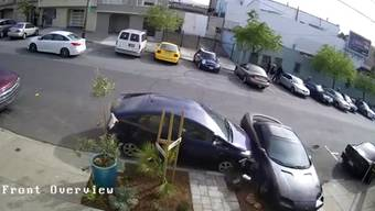 Da fliegen die Autoteile nur so davon ...