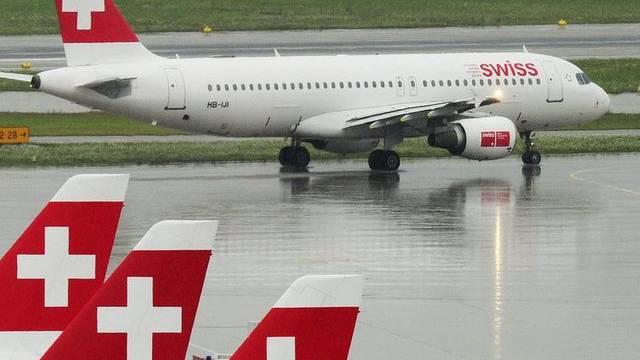 Swiss-Flugzeug am Flughafen Zürich (Symbolbild)
